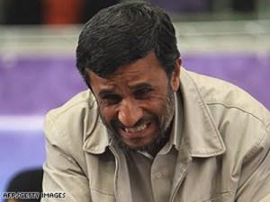 احمدی نژاد در حال تولید مثل